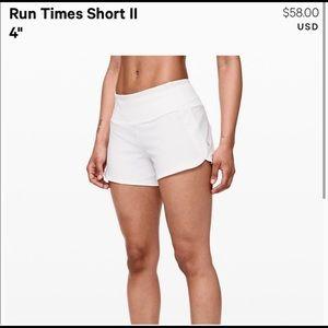 Size 4 lululemon shorts! Look new